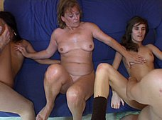 Ainara conoce a la madre y la hija del porno - foto 41