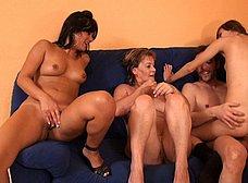 Ainara conoce a la madre y la hija del porno - foto 43