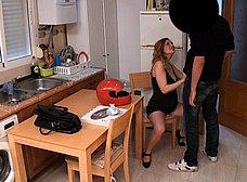 Casada liberal y embarazada se folla al pizzero - foto 6