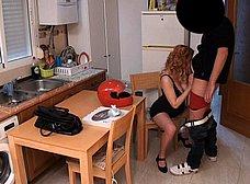 Casada liberal y embarazada se folla al pizzero - foto 7