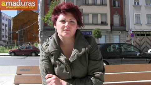 Gordita treintañera muy salida follando sin condón - foto 1