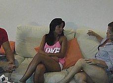 La madre y la hija del porno nos presentan … al padre! - foto 7