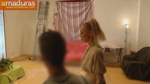 Madura se folla al joven pintor y hace squirt sobre él - foto 5