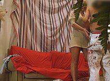 Madura se folla al joven pintor y hace squirt sobre él - foto 13