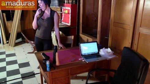 Leticia, una MILF española busca trabajo de lo que sea - foto 3
