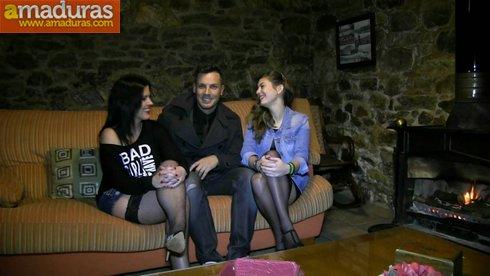 Bestial trio español con una madura y una veinteañera - foto 2