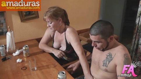 Madre, hija, primo y novia: incesto porno total - foto 3