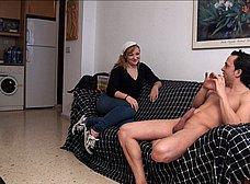 Asistenta de hogar, casada y necesitada de pasta - foto 6