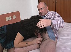 Cachonda veinteañera se folla a su profesor maduro - foto 6