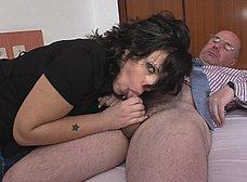 Cachonda veinteañera se folla a su profesor maduro - foto 7