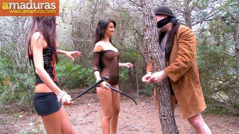 Crazy Lynn y Susy Gala folladas salvajemente en el bosque - foto 1