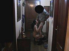 Ama de casa se folla al repartidor baboso - foto 11