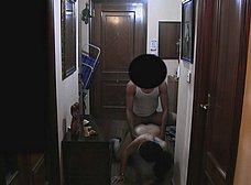 Ama de casa se folla al repartidor baboso - foto 26