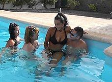 BRUTAL incesto amateur en vacaciones - foto 9