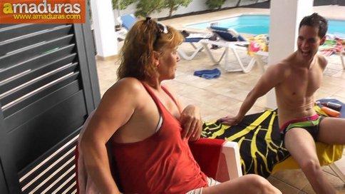 Megaorgia incestuosa con la madre y la hija del porno - foto 2