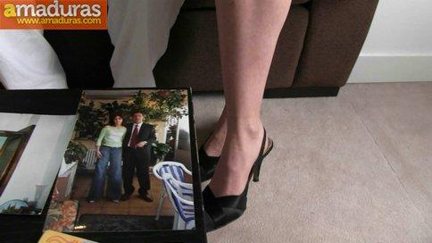 BRUTAL INCESTO porno: padre e hija con madrastra - foto 2