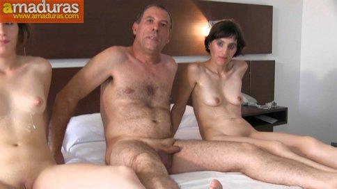 BRUTAL INCESTO porno: padre e hija con madrastra - foto 46