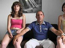 BRUTAL INCESTO porno: padre e hija con madrastra - foto 8