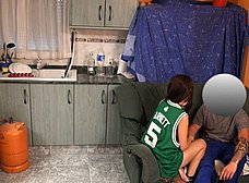 Ama de casa salida se folla al butanero - foto 8