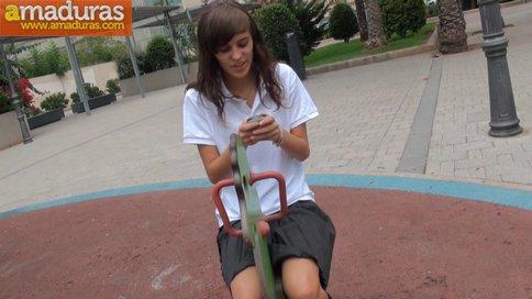 Ainara, colegiala de 18 años que quiere hacer porno - foto 2