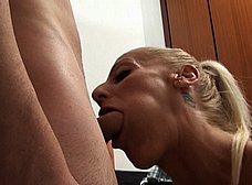 Yelena, secretaria madura española, adicta al sexo anal - foto 11