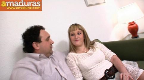 Disfruta viendo a su mujer con dos tios - foto 3