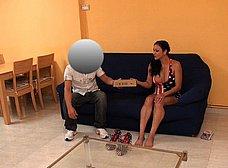 Ama de casa española se folla al cartero timido - foto 6