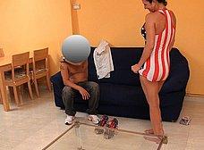 Ama de casa española se folla al cartero timido - foto 10