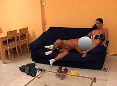 Ama de casa española se folla al cartero timido - foto 16