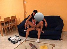 Ama de casa española se folla al cartero timido - foto 25