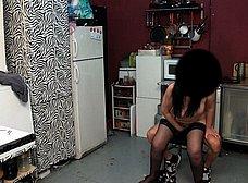 Madura española se folla a un amigo de su hijo - foto 32
