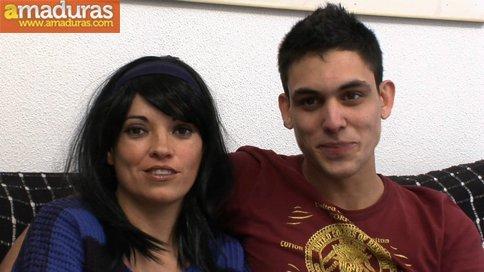 Madrastra madura se folla a su hijo: porno español - foto 2