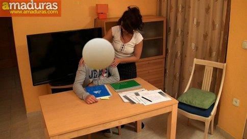 Profesora de inglés de 36 años se folla a su alumno - foto 5