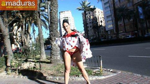 Marta Sanz, una gitana española debuta en el porno - foto 2