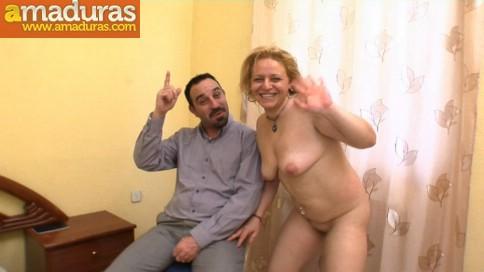 Le regala un 'actor porno' a la zorra de su esposa - foto 50