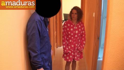 Dependienta de ropa quiere triunfar en el porno - foto 3