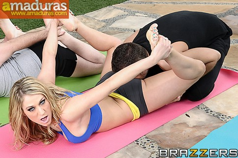 Se folla al profesor particular de yoga - foto 3