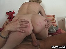 Su suegra le pilla con una muñeca hinchable - foto 7