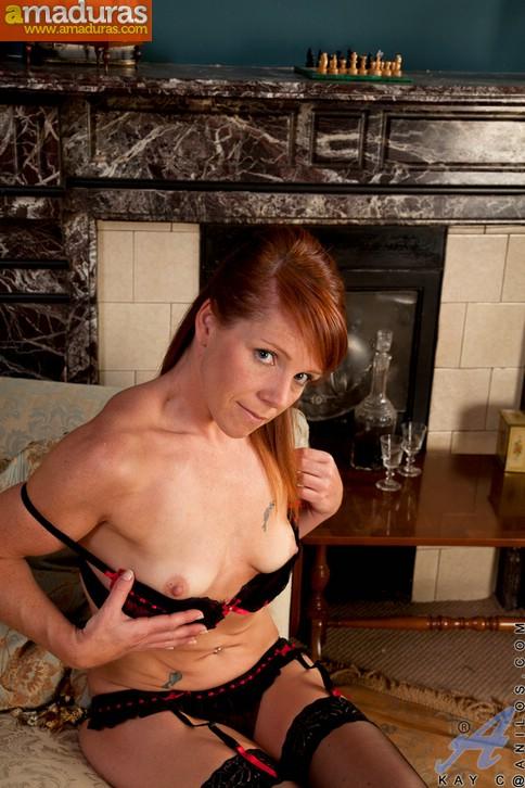 Madura exhibicionista posando en lenceria sexy - foto 3