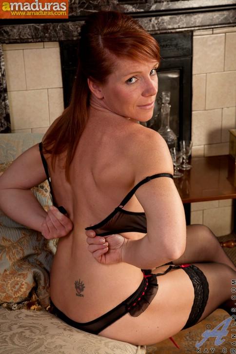 Madura exhibicionista posando en lenceria sexy - foto 4