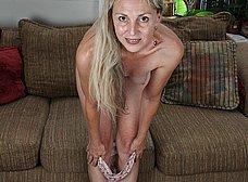 Me encanta el coño peludo de mi mujer - foto 7