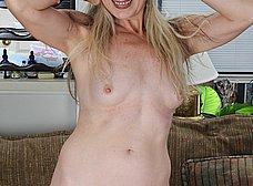 Me encanta el coño peludo de mi mujer - foto 8
