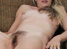 Me encanta el coño peludo de mi mujer - foto 12