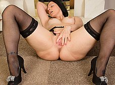 El culo gordo de la madura cuarentona - foto 14