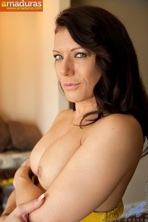 Maciza madura de ojos azules se desnuda - foto 4
