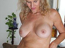 Madura cuarentona se masturba en casa - foto 6