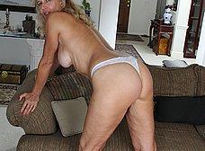Madura cuarentona se masturba en casa - foto 7