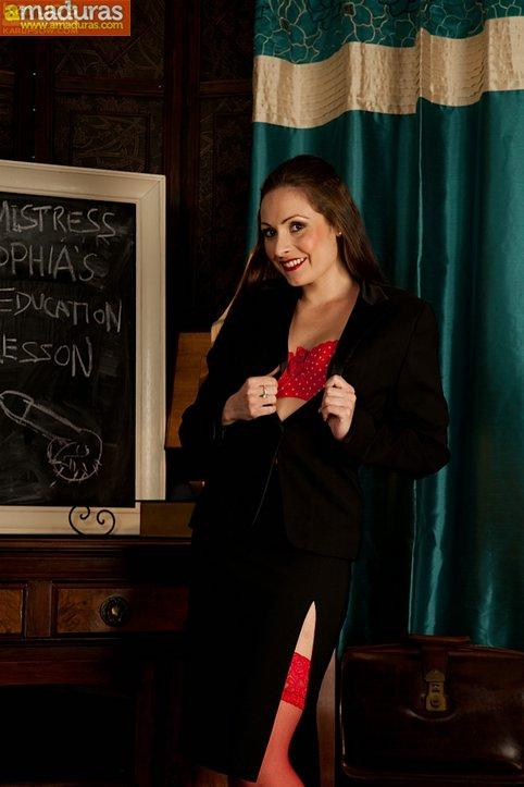 La profesora madura que todos quisieramos tener - foto 1