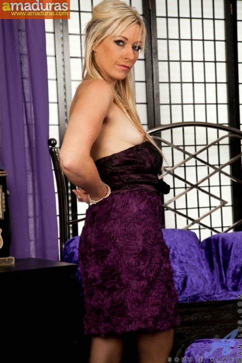 Esposa madurita en medias negras sexys - foto 5