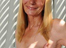 Madura cincuentona se desnuda del todo - foto 9